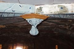 Limpieza de artesonado policromado