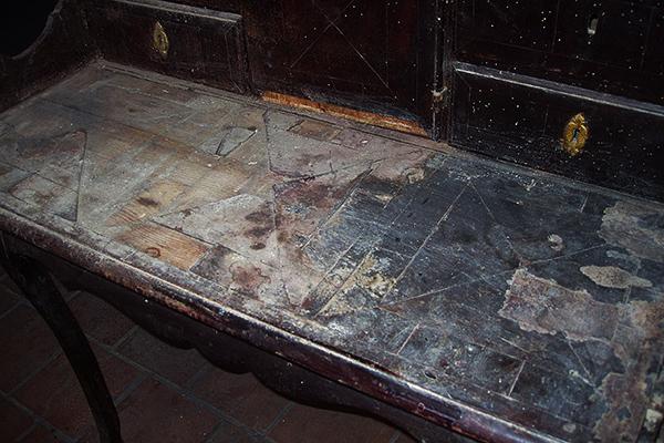 Restauración escritorio marquetería/1